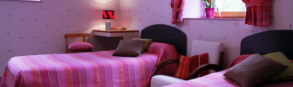 Les Pieds dans l'Herbe – Chambres d'hotes et gîtes – Rosporden – Finistère Bretagne - chambre lits simples