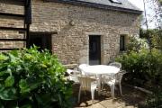 gîtes Les Pieds dans l'Herbe – Rosporden – Finistère Bretagne - salon jardin